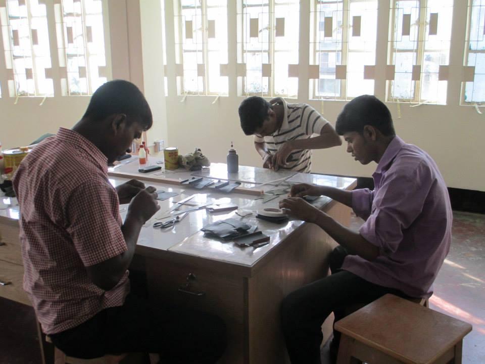 バングラデシュ革工場1