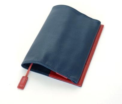 お客様がカスタムオーダーした本革ブックカバー文庫サイズの内装