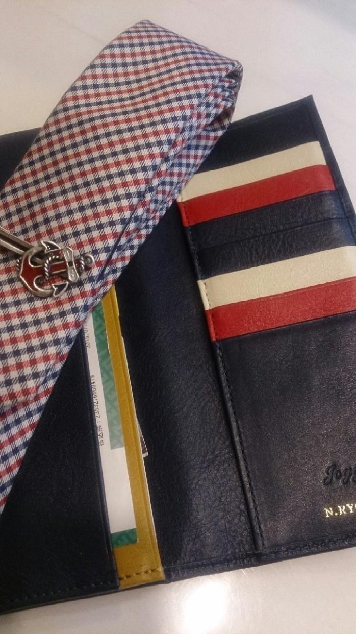 ネクタイの柄とお揃いでカスタマイズされた長財布