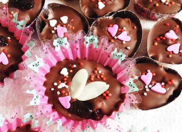 ドライフルーツ入りチョコレート