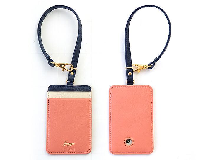 ピンクのかわいいパスケース