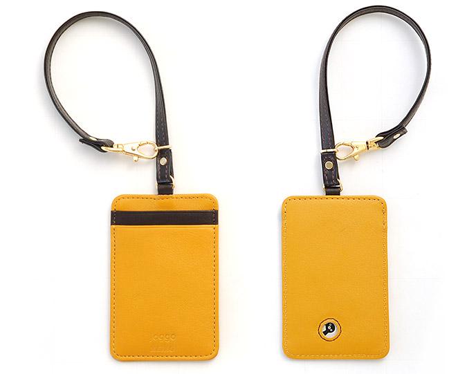 黄色のパスケース