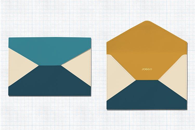 彼女に贈りたい革の封筒デザイン。白を基調にターコイズブルー・ピーコックブルーとマスタードイエローが差し色。