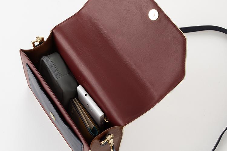 2wayエンベロープバッグは内側の色もカスタマイズできます。