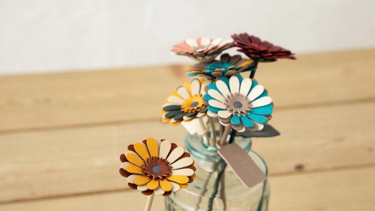 革の一輪花(ガーベラ)、革のブーケ発売のお知らせ