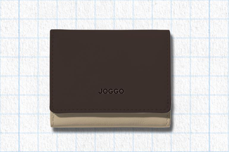 エスプレッソブラウン、ナチュラルベージュ、フォレストグリーンを使用した3つ折りミニ財布
