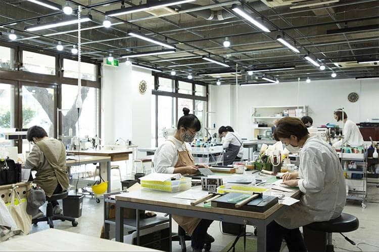 ENISHIシリーズを制作する日本の久米川工場