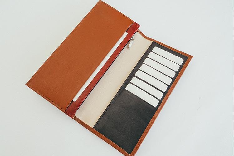 カード段13段の長財布