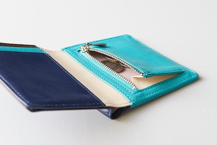 2つ折りミニ財布 片マチ部分写真