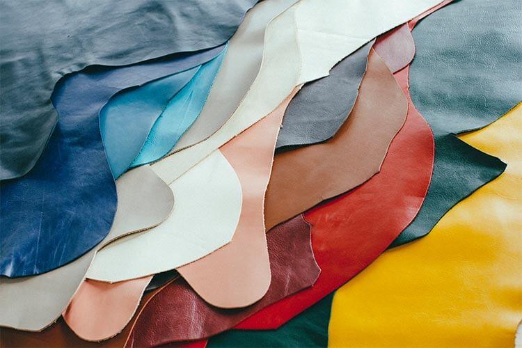 14色から選べる革色